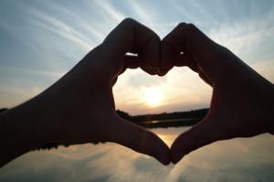 cla-img-hands-love-shape-307x204